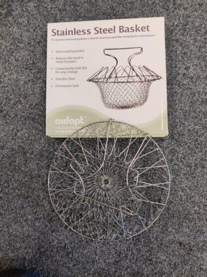 Fold flat strainer cooking basket