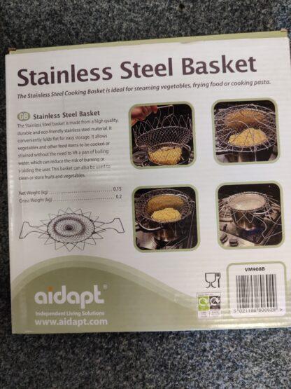 Cooking basket in pot